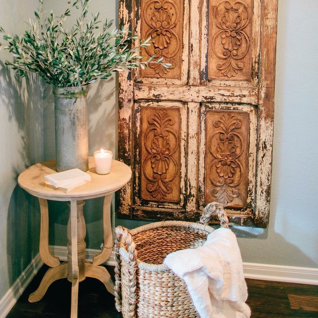 Vintage decorating ideas from joanna gaines popsugar home for Antique door decoration