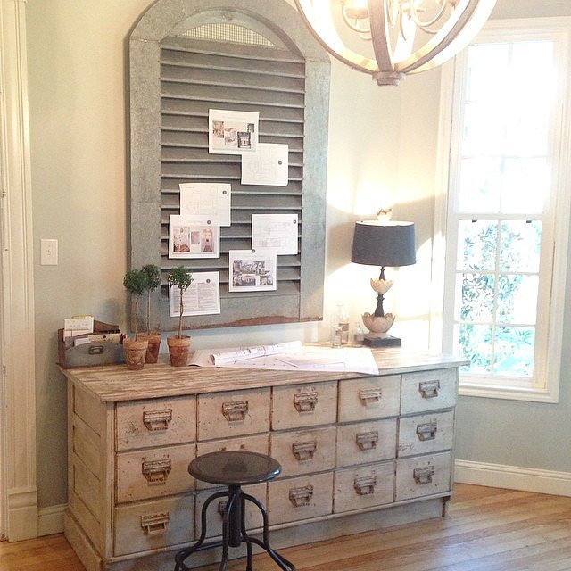 Vintage decorating ideas from joanna gaines popsugar home for Joanna gaines home designs