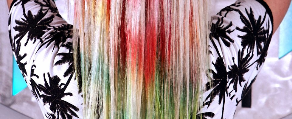 Rainbow Hair Just Got a '90s Tie-Dye Makeover