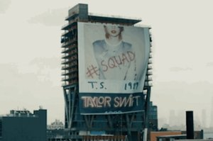 """Saturday Night Live"" Made Fun Of Taylor Swift's #Squad"