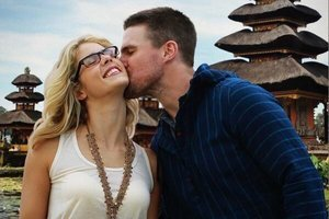 'Arrow' Poll: Should Oliver and Felicity and Get Engaged?