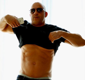"Vin Diesel Fires Back at ""Dad Bod"" Body-Shamers With New Six Pack Photo"