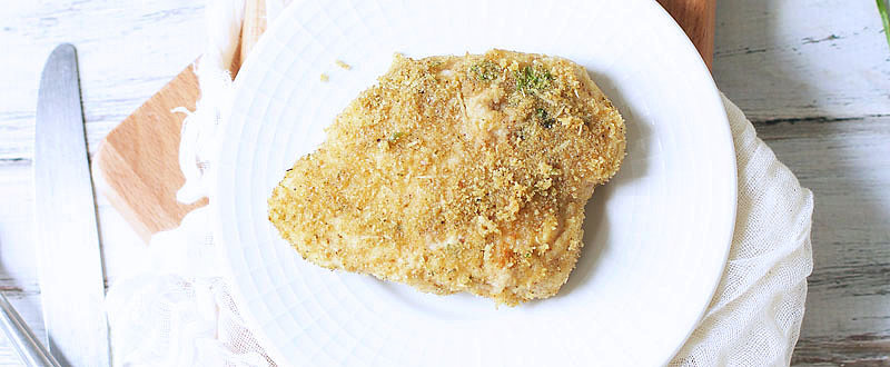 This Easy Breadcrumb Baked Chicken Is What Dinner Time Has Been Missing