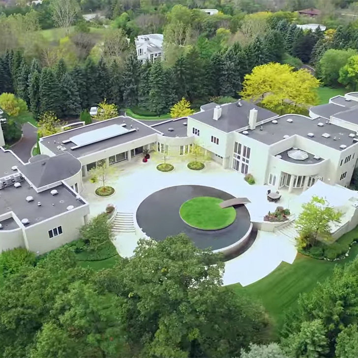 Real estate videos for michael jordan 39 s estate popsugar for Michael jordan real estate