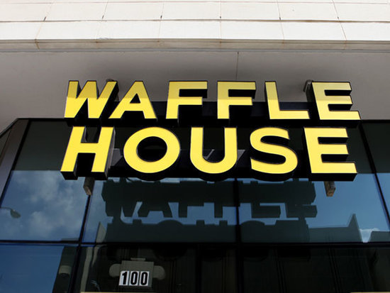 A Customer Leaves a $600 Tip for His Waitress at Waffle House