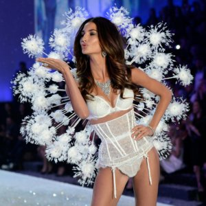 Lily Aldridge at Victoria's Secret Fashion Show | Video