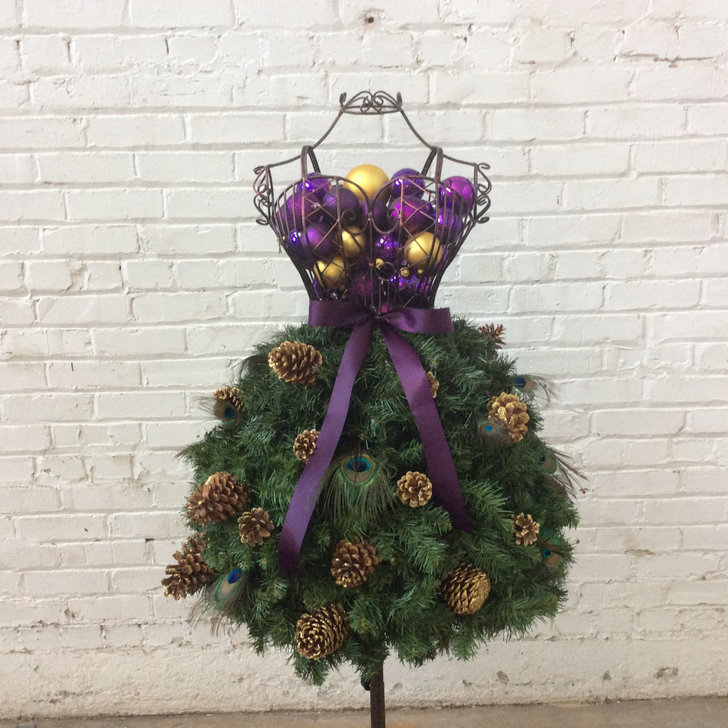 Diy christmas tree dress form 23 diy holiday decor ideas to deck the