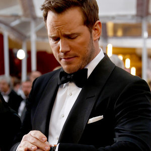 Chris Pratt Looking at His Watch on the Red Carpet   Picture