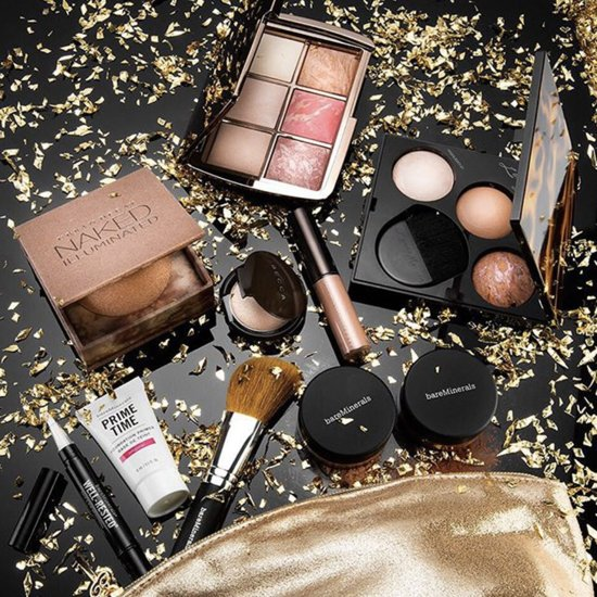 10 Glam Gifts the Beauty Guru Will Love
