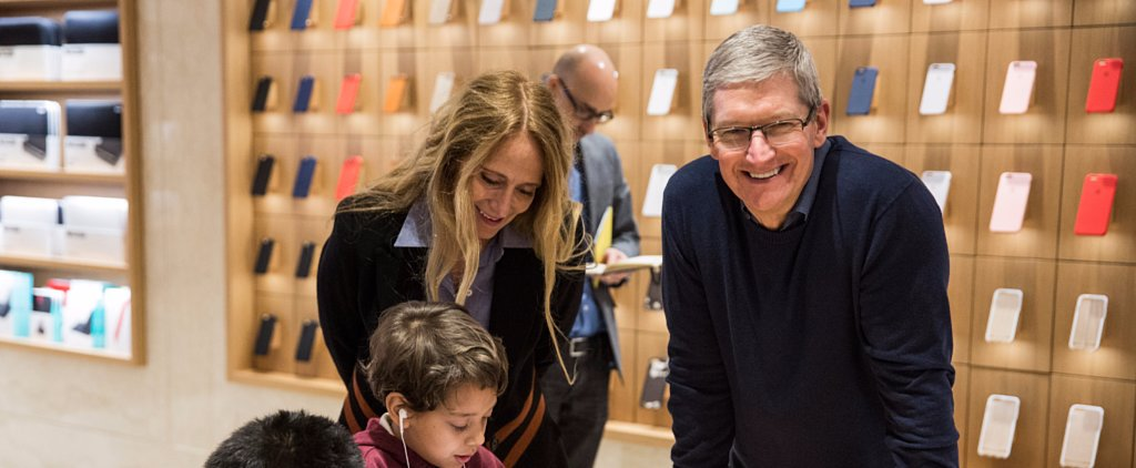 Tim Cook Gives a Lesson in How to Talk to People With Disabilities
