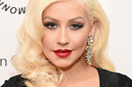 Drunk Christina Aguilera Is This Year's Holiday-Party Inspiration