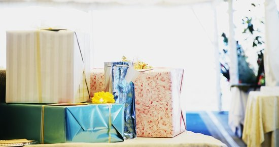 How Much To Spend On Wedding Gift Destination Wedding : Yes, Its OK To Spend Less On A Gift For A Destination Wedding