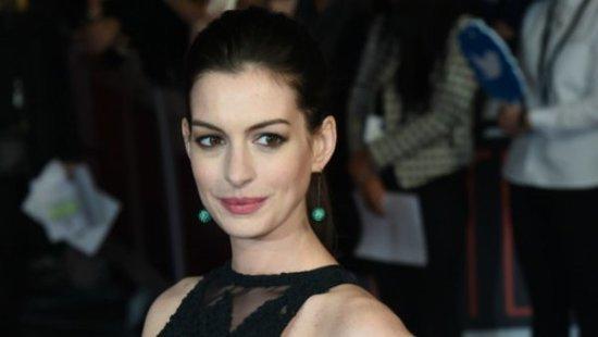 Anne Hathaway Debuts Her Growing Baby Bump In A Bikini On Instagram