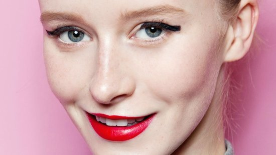 The Ultimate Lipstick Hack: How To Apply Lip Color So That It Stays Put All Day Long