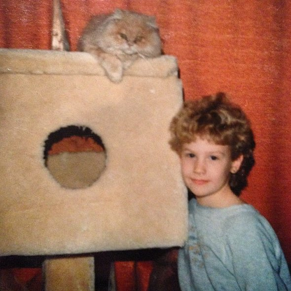 """""""#tbt can't think of a caption, sorta self explanatory isn't it? #finallythecatthatgoeswiththehouse"""""""