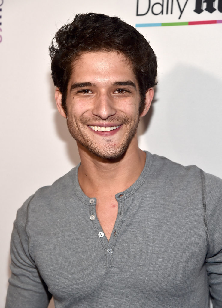 Tyler Posey S Cutest Pictures At 2016 People S Choice Awards Popsugar Latina
