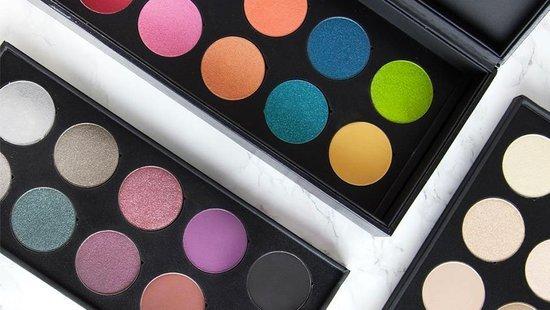 HACK: How To Turn Eyeshadow Into Long-Lasting Lipstick