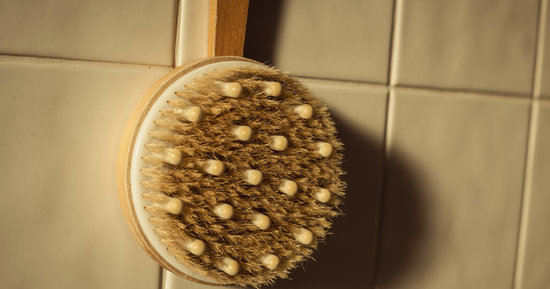 Dry Brushing Is The Age-Old Trick Models Swear By For Smoother Skin