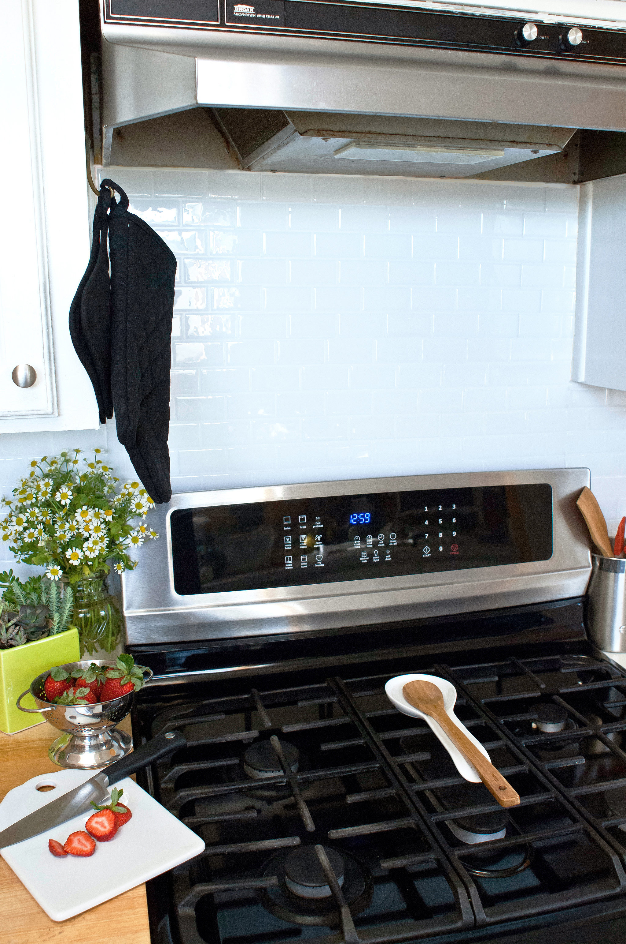 use peel and stick tiles as a backsplash genius rental hacks you 39 re