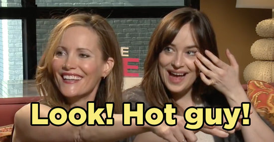 Dakota Johnson And Leslie Mann Hilariously Hit On A Hot Reporter