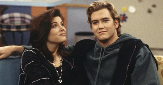 Tiffani Thiessen Confirms New 'Saved By The Bell' Reunion