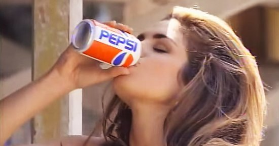 Cindy Crawford and James Corden Recreate Her 1992 Pepsi Super Bowl Ad: See the Photo!