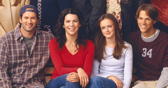 'Gilmore Girls' Revival Begins Shooting, Yanic Truesdale Shares Adorable Photo From the Set