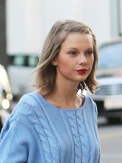 Where to Buy Taylor Swift's Pretty $140 Sweater