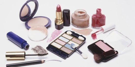 There's an Easy Way to Tell If Your Beauty Products Are Expired (Who Knew!?)