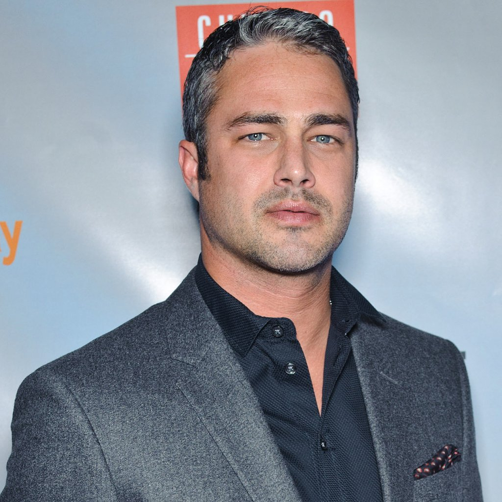 Hot Taylor Kinney Pictures | POPSUGAR Celebrity