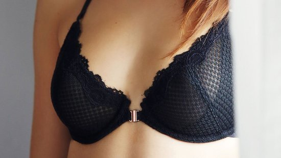 Is There Really A Difference Between Underwire And Wireless Bras?