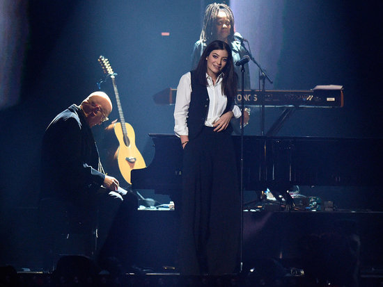 Tears for David Bowie at the Brit Awards: Annie Lennox and Gary Oldman Pay Tribute and Lorde Gives a Moving Performance