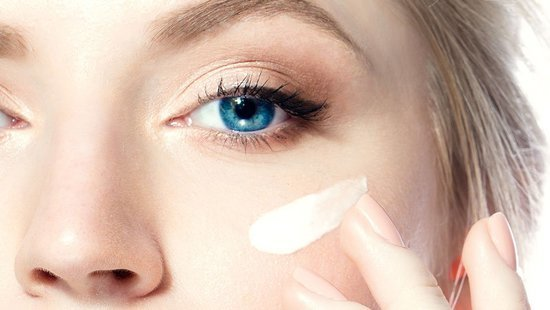 The 4 Products Every Woman Should Put On Her Face Every Day