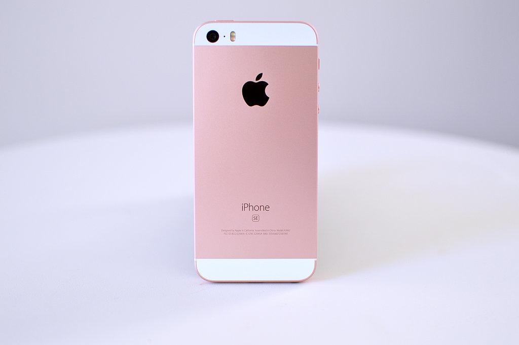 iPhone SE Review | POPSUGAR Australia Tech