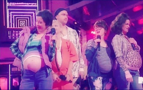 MTV Mocked Pregnant Teens During Its Awards Show -- Get Over It