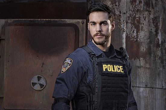'Containment' Interview: Chris Wood on Jake's Inner Demons and Struggles to be a Hero
