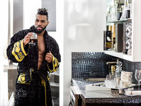 Yes, Jason Derulo Has a Bar in His Bathroom: 'It Would Suck to Come All the Way Downstairs if I Wanted a Mojito'