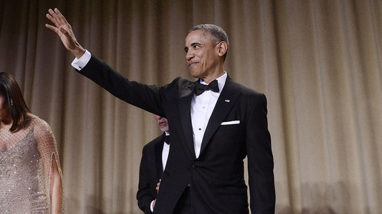 President Obama Literally Drops the Mic at White House Correspondents' Dinner, Jokes About Prince George's Robe