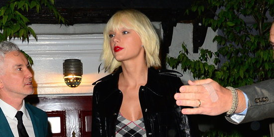 Taylor Swift Continues Her Grungy Quest To Bring Back The '90s
