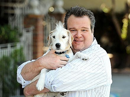 Eric Stonestreet Says Modern Family Actresses are Cyberbullied