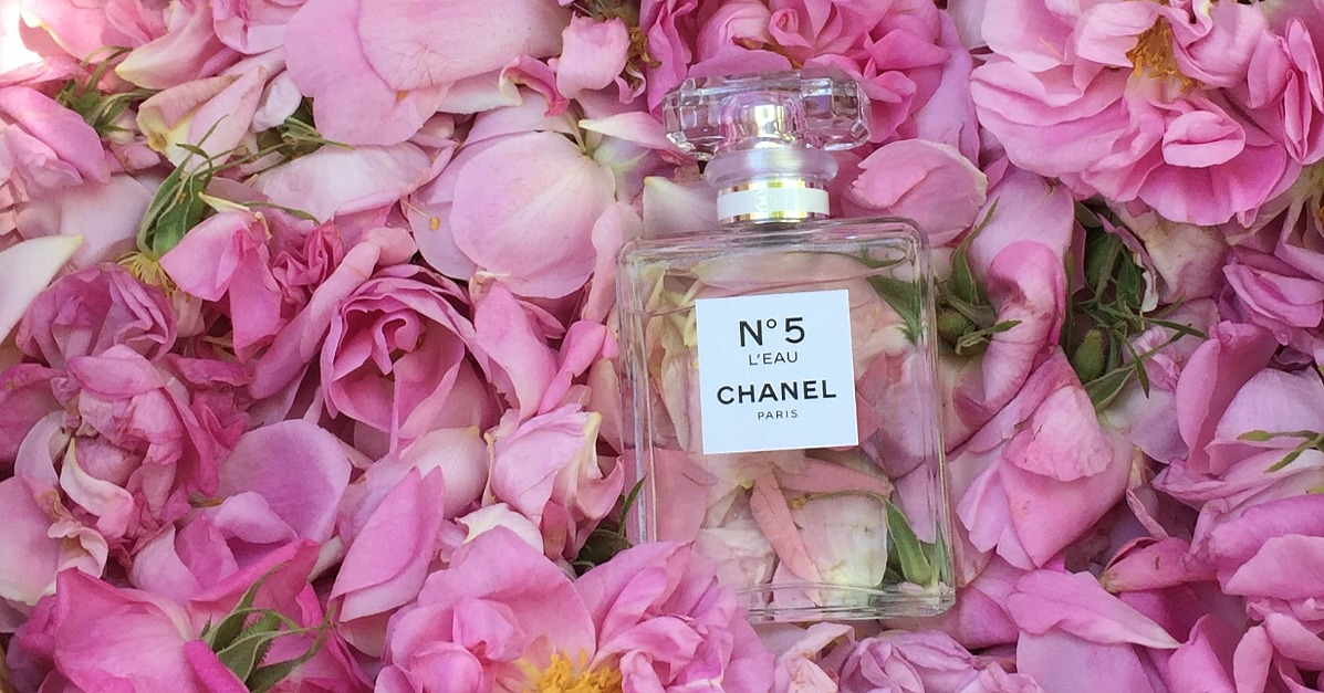 chanel no 5 l 39 eau popsugar beauty. Black Bedroom Furniture Sets. Home Design Ideas