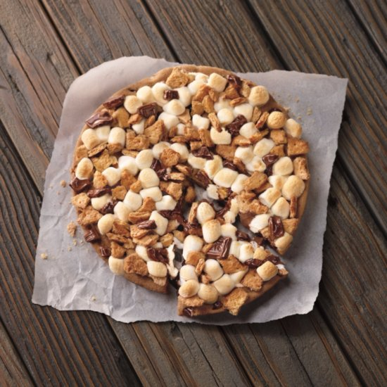 Pizza Hut Just Added the Most Amazing S'mores Dessert to Its Menu
