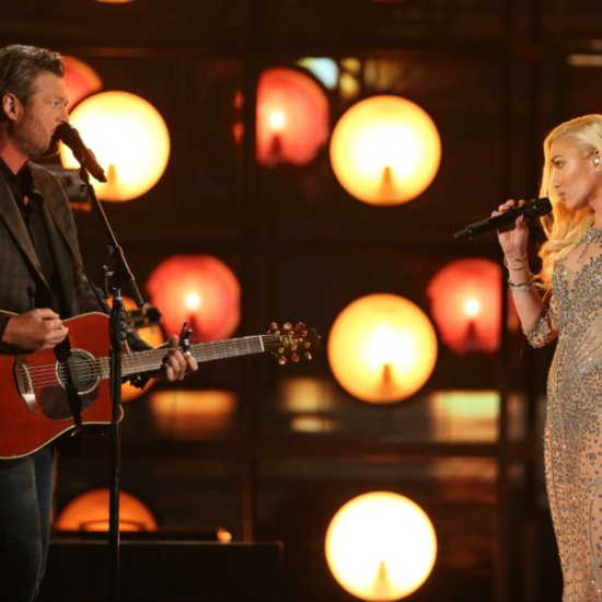 Gwen Stefani and Blake Shelton Eye Contact While Singing