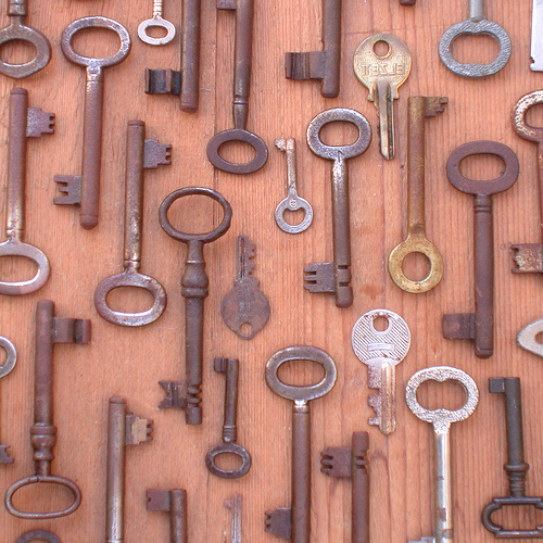 Cool Idea:  Decorate With Antique Keys