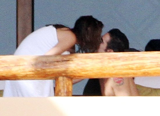 Photos of Alicja Bachleda And Shirtless Colin Farrell Vacationing in Mexico