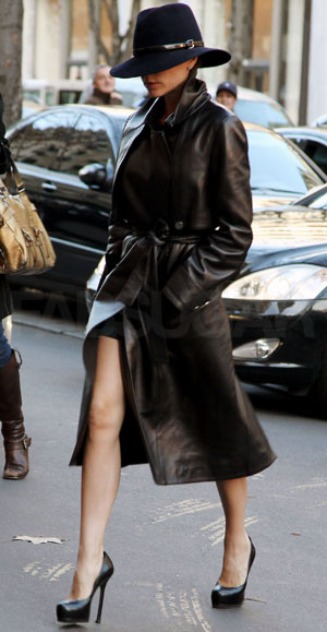 Photo Of Victoria Beckham Wearing Black Leather Trench