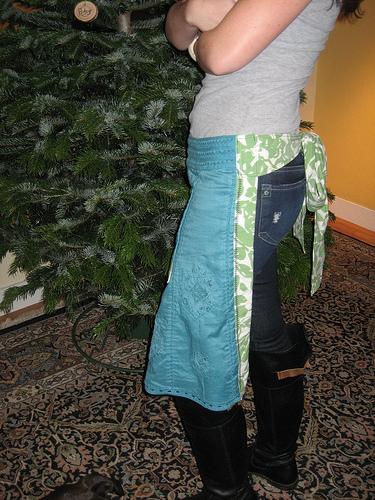 The Second DIY of Christmas: Hostess Apron