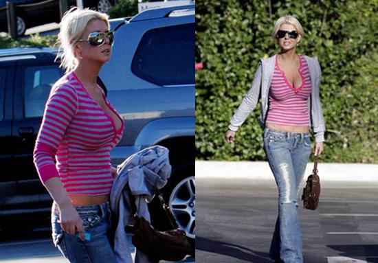 Tara's Breasts Get Downsized