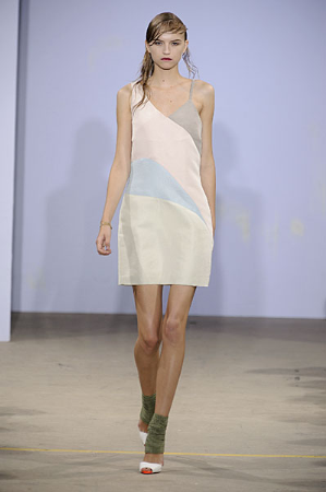 A Softer Side of Jonathan Saunders for Spring 2010