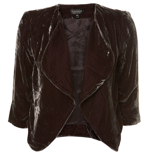 A casual three-quarter sleeve jacket.